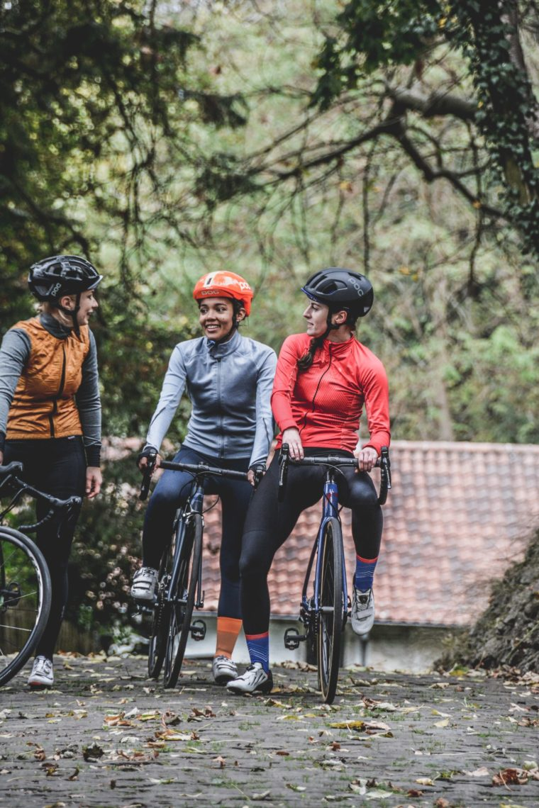 dones-amb-bicicleta