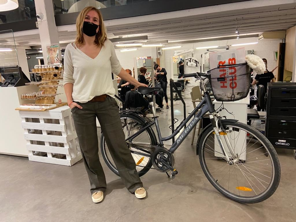 helena-vilardell-canvis-en-cadena-bicicleta-osona