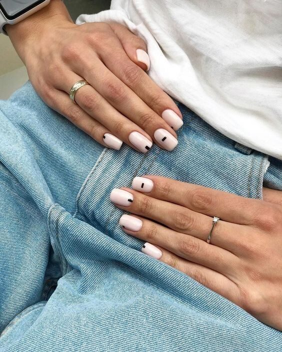 nail-art-minimalista-1